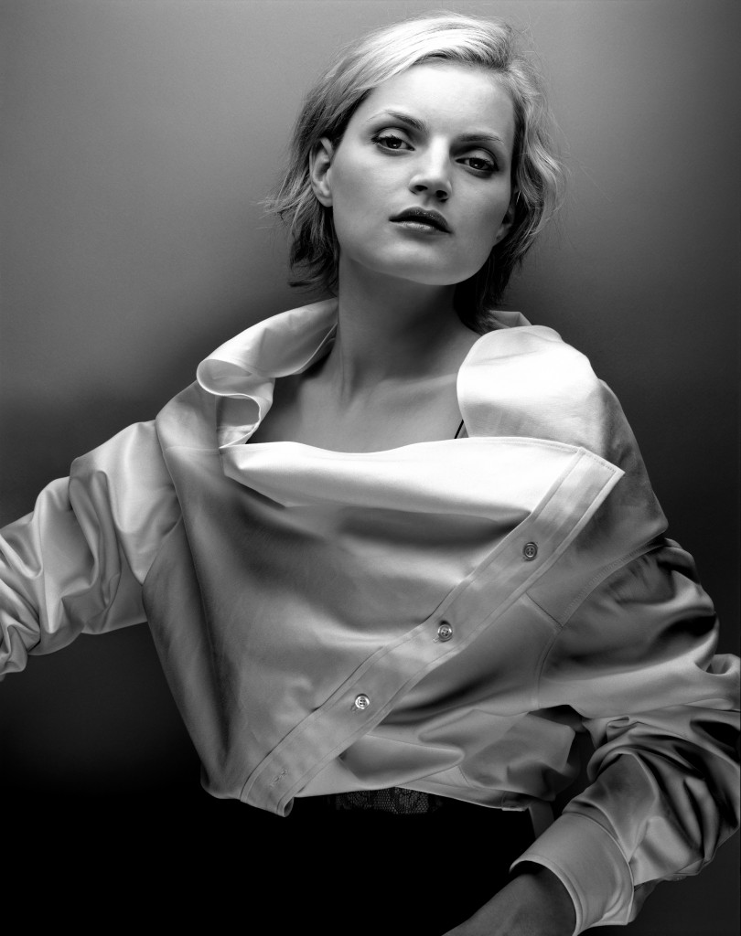 04_Anne Valerie Hash_collection Fillemale_Guinevere Van Seenus_©Michelangelo di Battista_2001